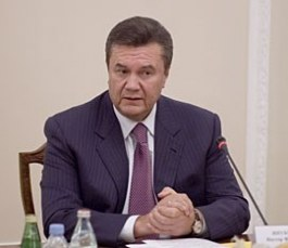 От Януковича ждут совместных культуры и образования